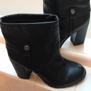 Very good Franco Sarto booties